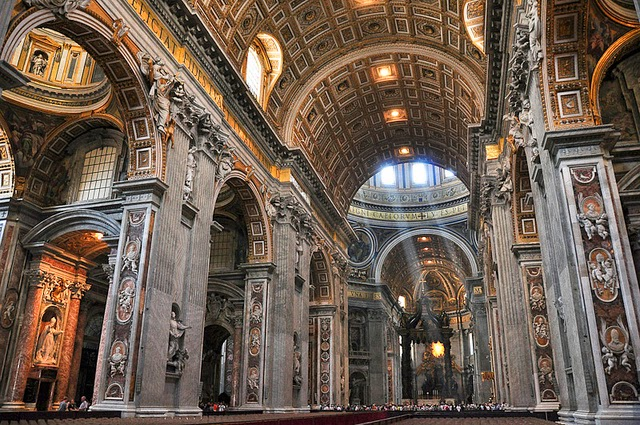 8 things that fit INSIDE St. Peter's Basilica in Rome ...