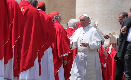 Pope_Francis_greets_some_of_the_cardinals_who_will_concelebrate_Pentecost_Mass_with_him_on_May_19_2013_Credit_Stephen_Driscoll_CNA